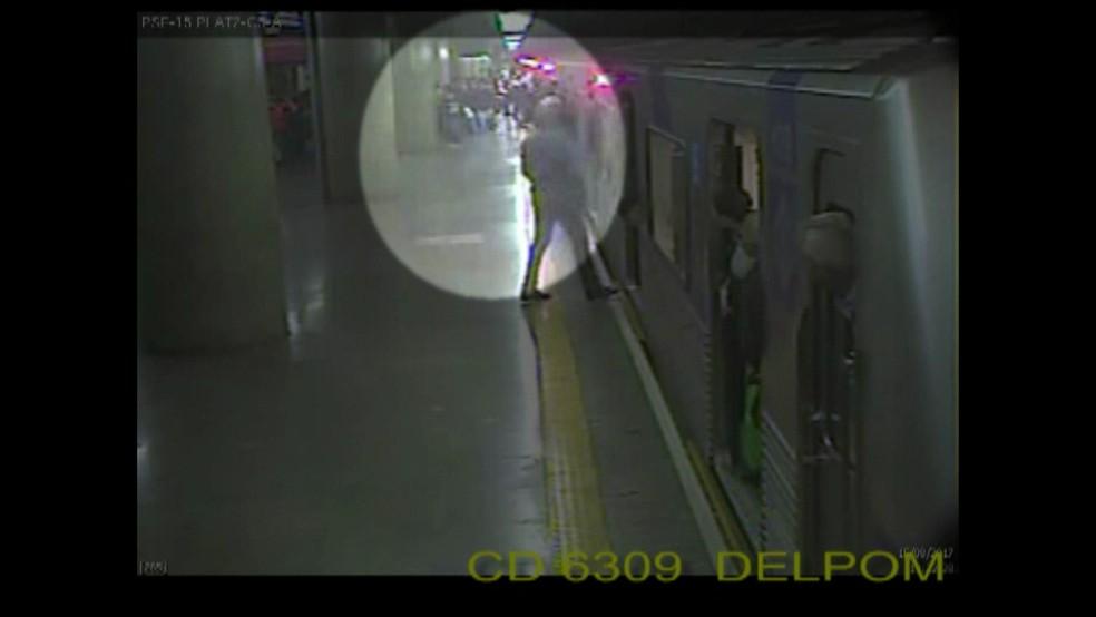 Tumulto foi filmado pelas câmeras de segurança (Foto: Reprodução/TV Globo)