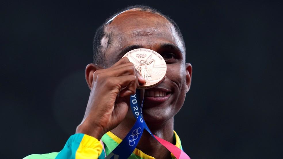 Alison dos Santos conquista bronze nos 400m com barreiras nas Olimpíadas de  Tóquio | olimpíadas | ge