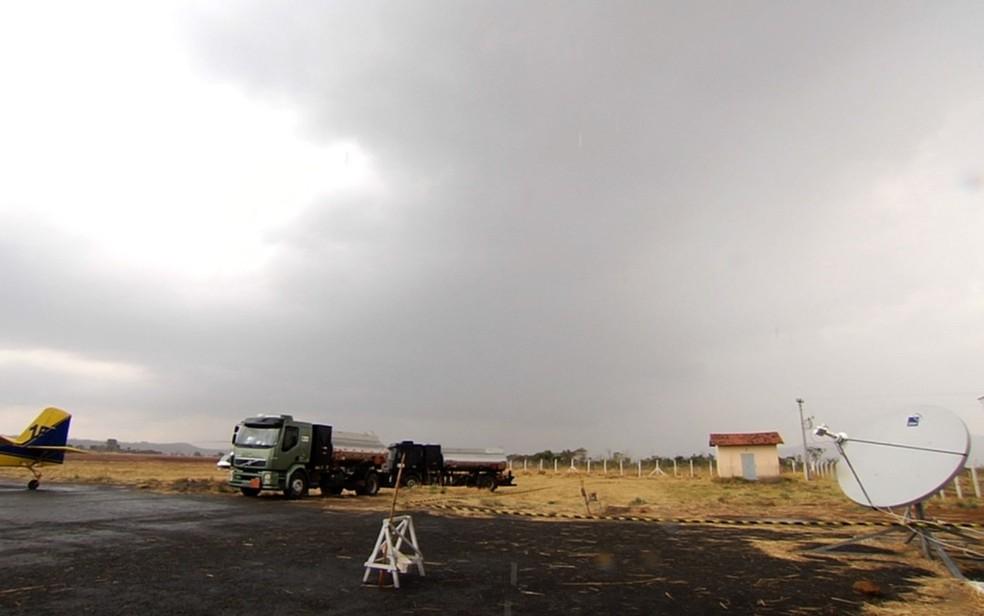 Chuva ajudou a controlar queimada no Parque Nacional da Chapada dos Veadeiros (Foto: Reprodução/TV Anhanguera)