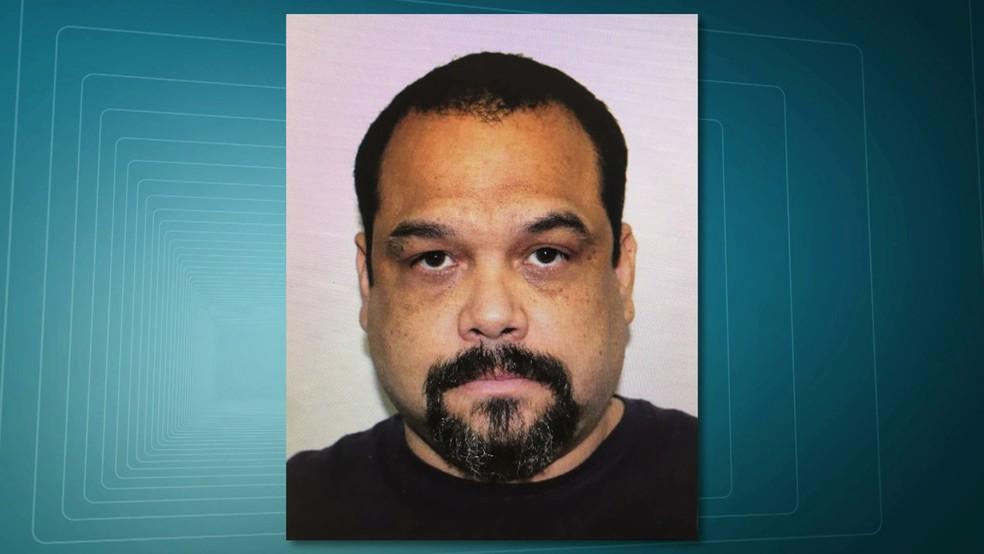O brasileiro Frederik Barbieri, radicado nos Estados Unidos, é apontado como o maior traficante de armas do Brasil; ele foi preso na madrugada deste sábado (Foto: Reprodução/RJTV)