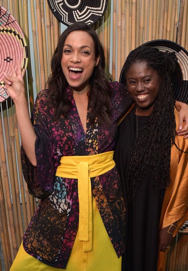 Rosario Dawson e Abrima Erwiah (Foto: Getty Images)