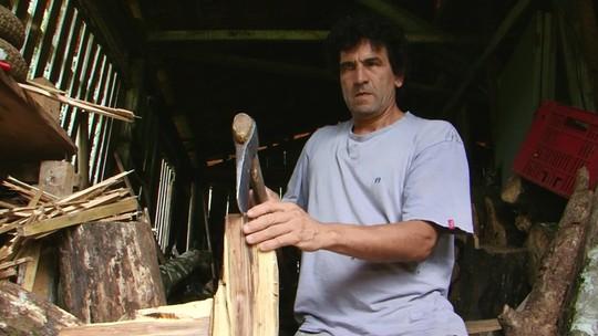 Mesmo após perder a visão, agricultor do Paraná continua a trabalhar na roça