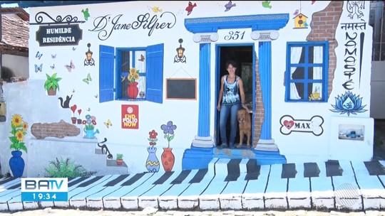 Conheça a artista plástica que transformou a própria casa em ponto turístico, em Itanhém