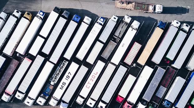 Caminhões movimentados pela Transfix já movimentam quase R$ 400 mi em mercadorias anualmente (Foto: Facebook/Transfix)