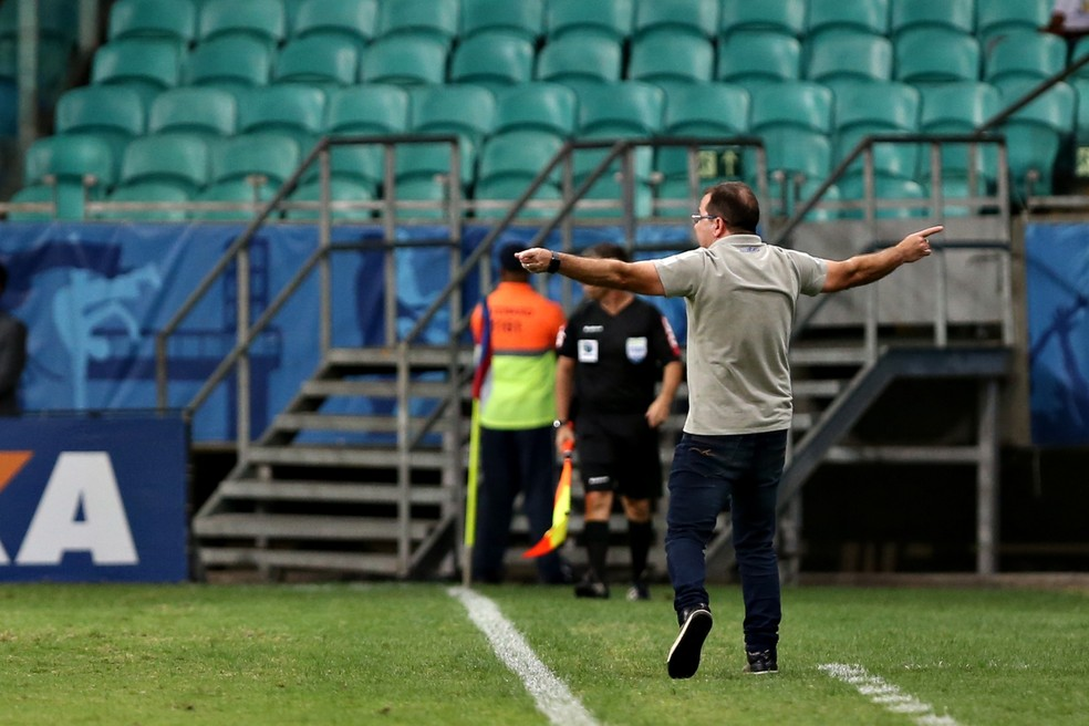 """6c72cd5f9a Enderson Moreira faz duras críticas ao futebol brasileiro  """"A gente ..."""