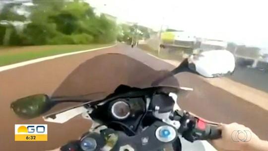 Motociclista grava vídeo trafegando a mais de 150 km/h em via movimentada de Itumbiara
