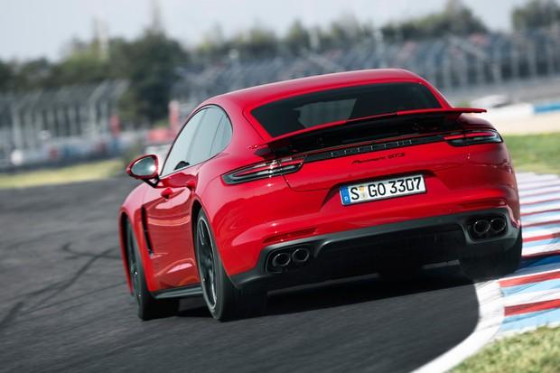 t Dirigimos  Porsche Panamera GTS é um gigante que queria ser 911  t ... d3972161bb
