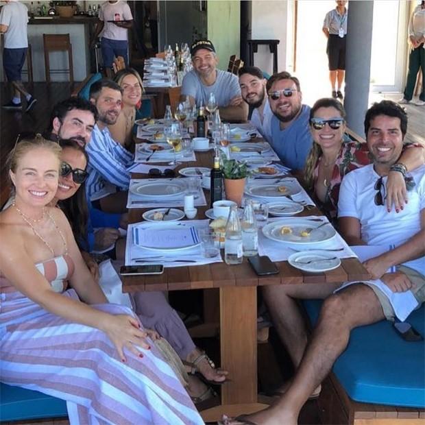 Angélica, Vera Viel, Padre Fábio de Melo, Bruno Gaglisso, Giovanna Ewbank, Otaviano Costa, Leo Fuchs, Flavia Alessandra (Foto: Reprodução / Instagram)
