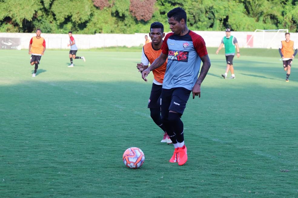 Vitória deve utilizar uma equipe alternativa para a partida contra o Bahia  de Feira — Foto 94e73e5aa2ce5