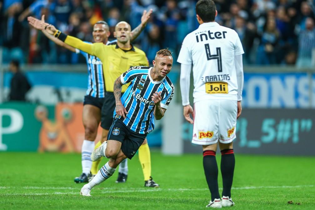 Everton foi o responsável pela vitória gremista (Foto: Lucas Uebel/Grêmio)