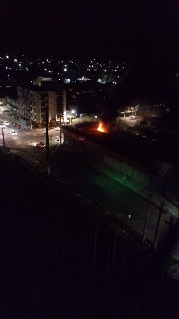 Incêndio atinge loja de materiais de construção no bairro do Jurunas