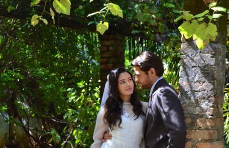Com Alejandro Claveaux no filme 'Cartas de amor são ridículas' Divulgação