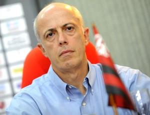 Wallim joga para Zinho e Dorival a responsabilidade sobre permanência