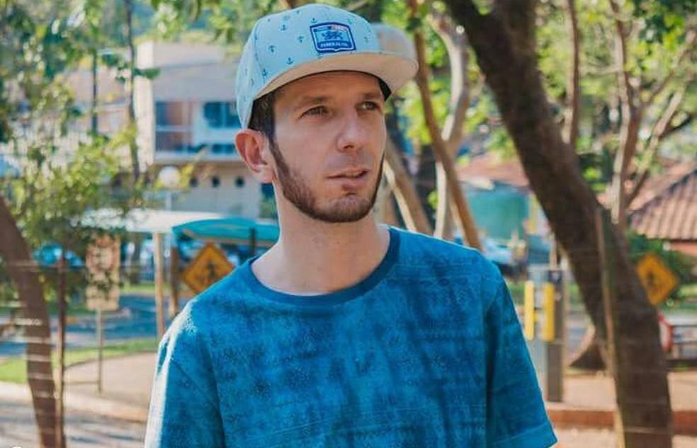 Luis Fernando Moura foi morto em 14 de fevereiro; carro dele foi queimado (Foto: Reprodução/Facebook)