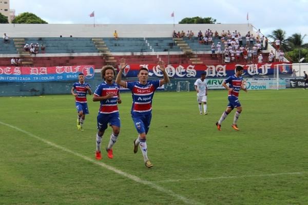 Corinthians contrata revelação do Fortaleza para a equipe sub-20