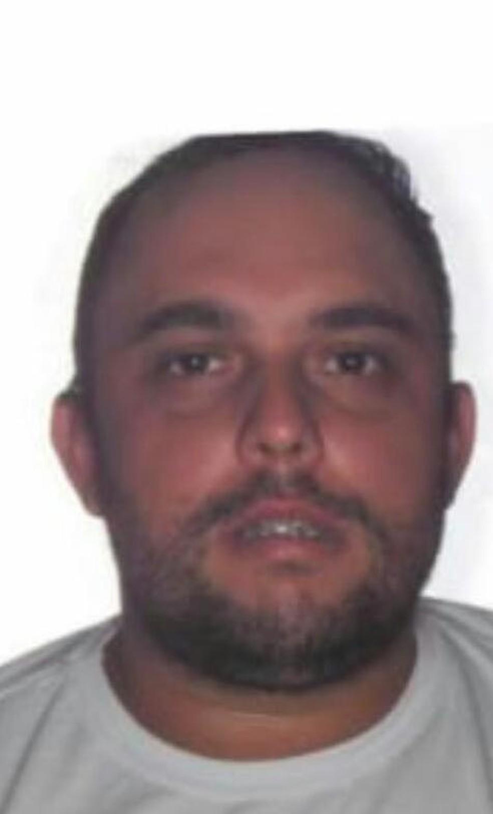 Willians Maciel Dias, suspeito de matar caminhoneiro a pedrada (Foto: Polícia Civil/ Divulgação)