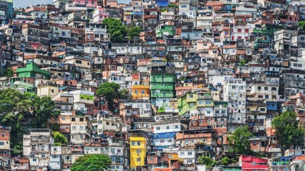 População de baixa renda ficou sem auxílio nenhum de janeiro a março de 2021 — Foto: PATRICK ALTMANN/GETTY IMAGES
