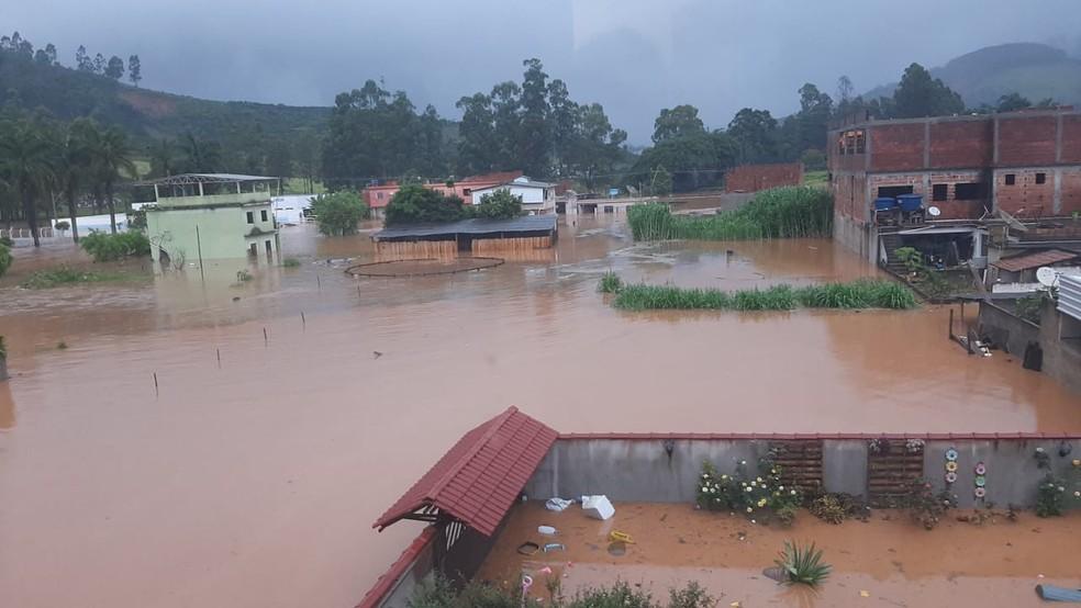 Orizânia ficou com ruas completamente alagadas — Foto: Portal Miradouro/Reprodução