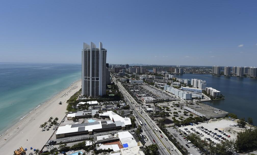 Apartamentos custaram de US$ 5,,5 milhões a US$ 33 milhões — Foto: Rhona Wise/AFP