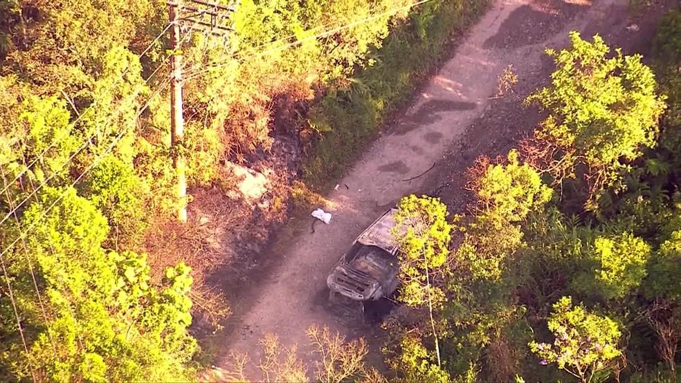 Corpos foram encontrados dentro de carro carbonizado no ABC  — Foto: Reprodução/TV Globo