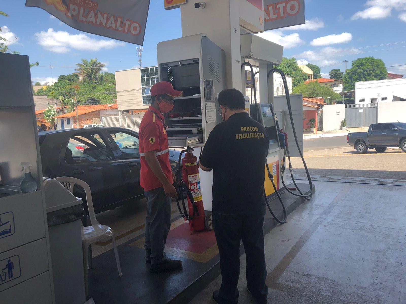 Procon autua postos por reajuste irregular no preço da gasolina em Teresina; valor chega a R$ 7,29 o litro