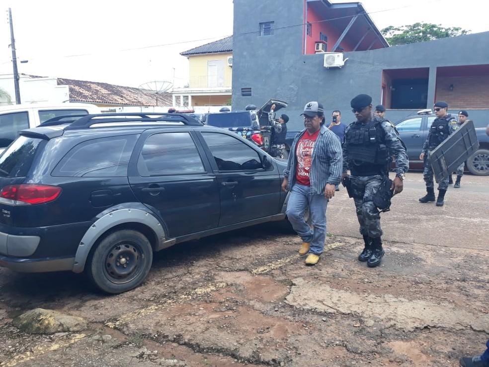 Médico boliviano suspeito de estupro foi preso no início da tarde deste sábado (19).  — Foto: Leile Ribeiro/Rede Amazônica