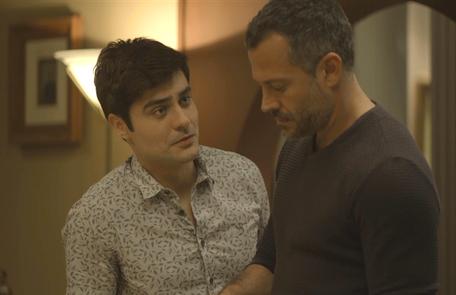 Na quinta (19), Agno (Malvino Salvador) convidará Leandro (Guilherme Leicam) para voltar a morar com ele Reprodução
