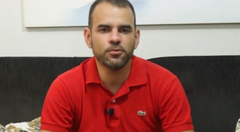 Mário decidiu entrar na faculdade para incentivar o filho Rafael — Foto: Reprodução/TV São Francisco