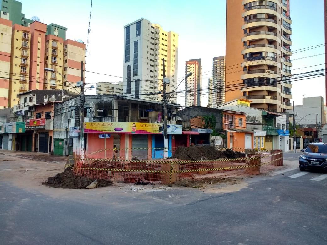 Tubulação rompe novamente e moradores de Nazaré, Umarizal e Reduto ficam sem de água