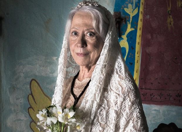 Fernanda Montenegro caracterizada para a cena do casamento de Mercedes (Foto: Divulgação/TV Globo)