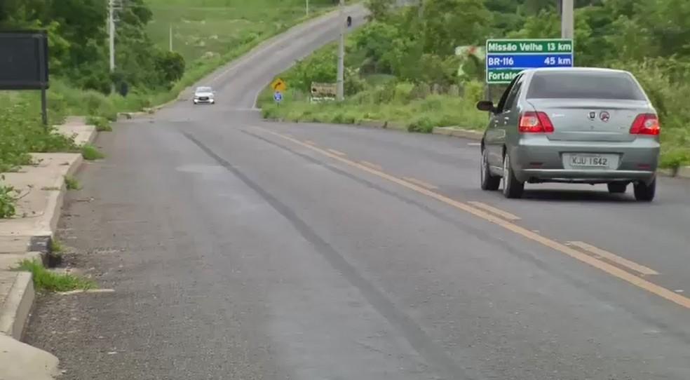 Trecho da via em que o acidente aconteceu — Foto: Reprodução