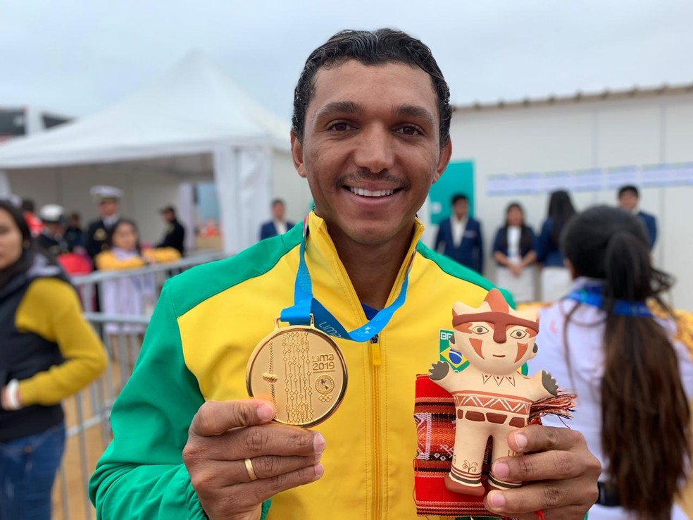 Isaquias Queiroz ouro canoagem Jogos Pan-Americanos — Foto: Gabriel Fricke