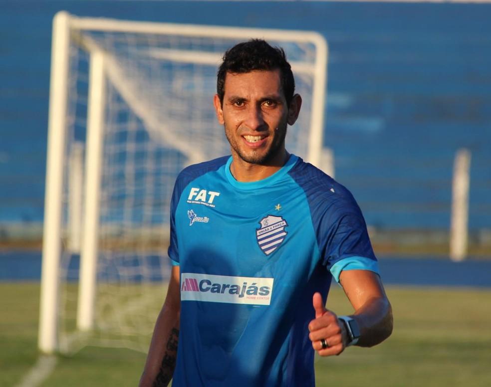 Cristian Maidana, meia do CSA — Foto: Denison Roma/GloboEsporte.com