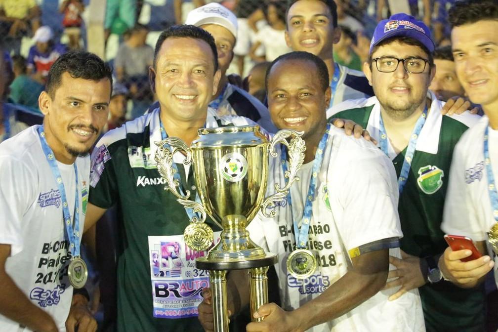 Paulinho Kobayashi foi bicampeão estadual com o Altos — Foto: Luís Júnior /AA Altos