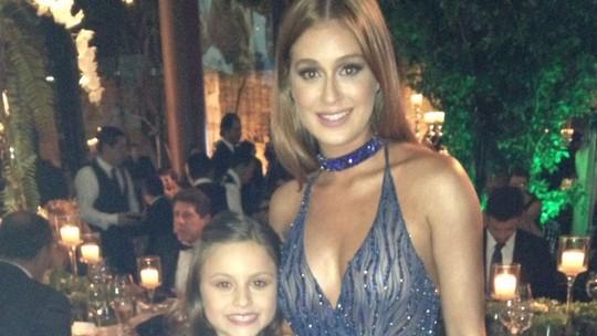 Rafa Gomes encontra Marina Ruy Barbosa em evento beneficente e elogia: 'Adoro ela!'