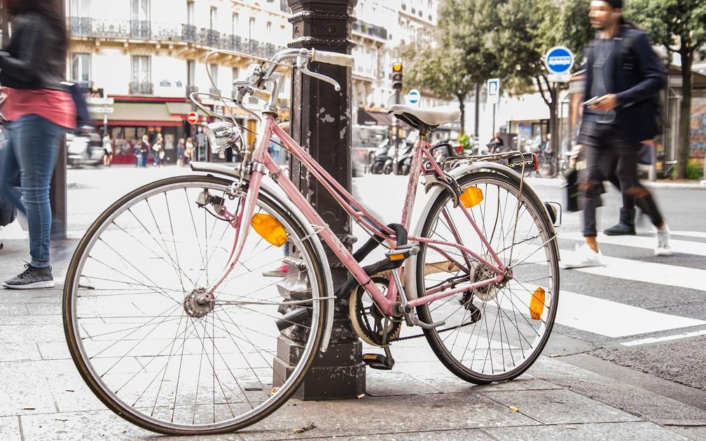 Há quem faça a adesão pelos benefícios de fazer exercício físico, pedalando, mas os prêmios também têm servido de motivação — Foto: Skitterphoto/Creative Commons
