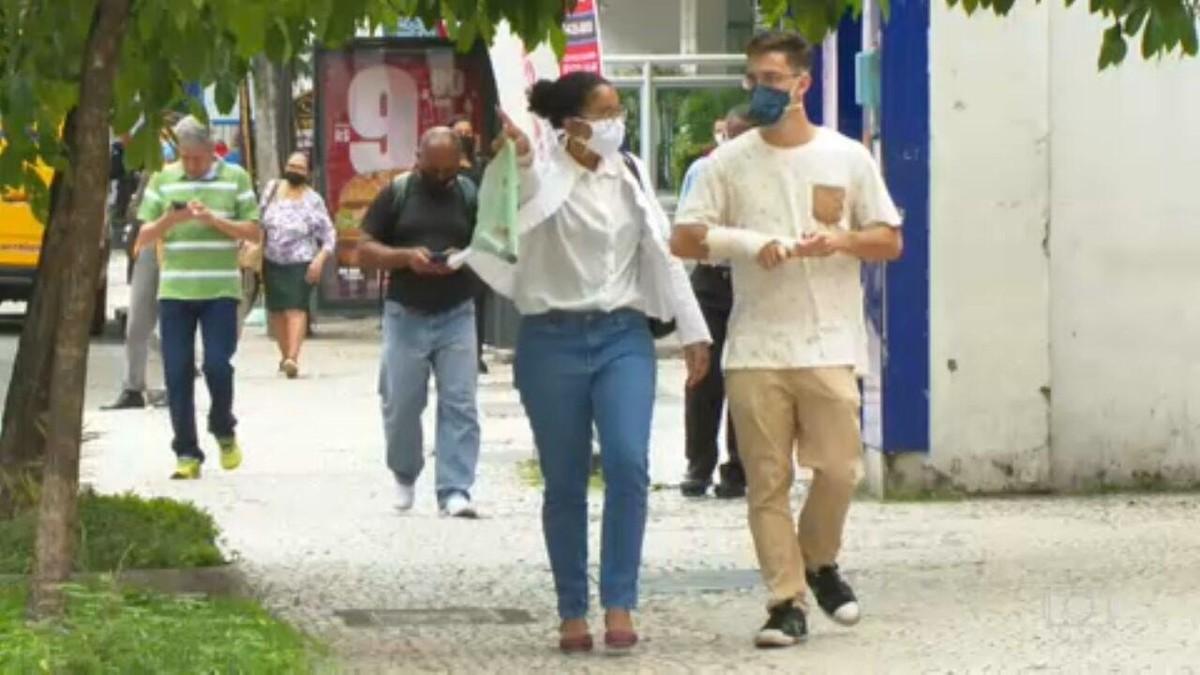 Rio de Janeiro e Distrito Federal autorizam flexibilização do uso de máscaras em locais abertos