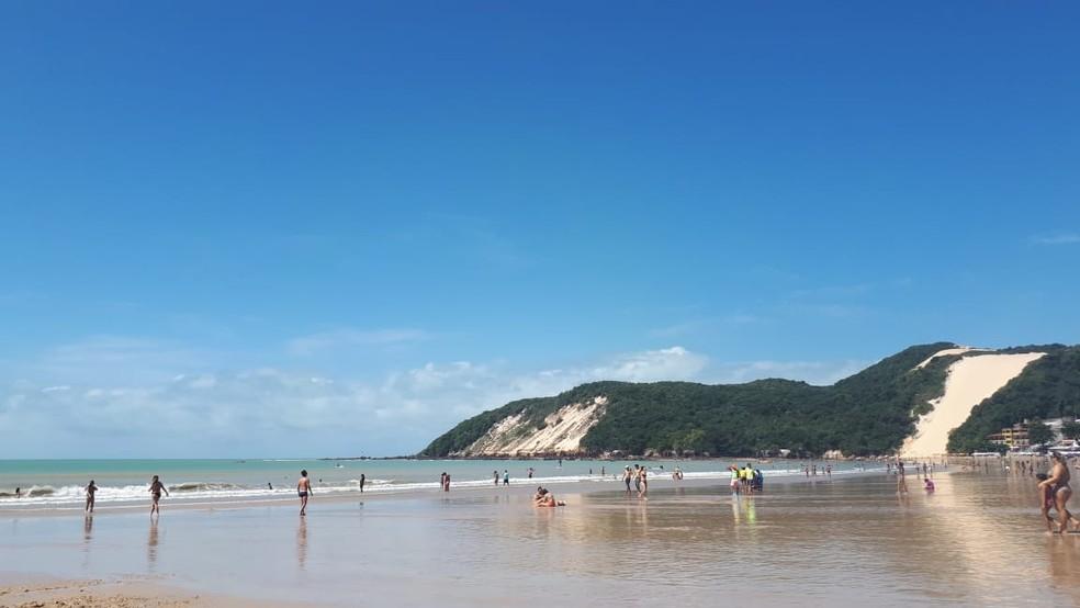 Praia de Ponta Negra está própria para banho — Foto: Fernanda Zauli/G1