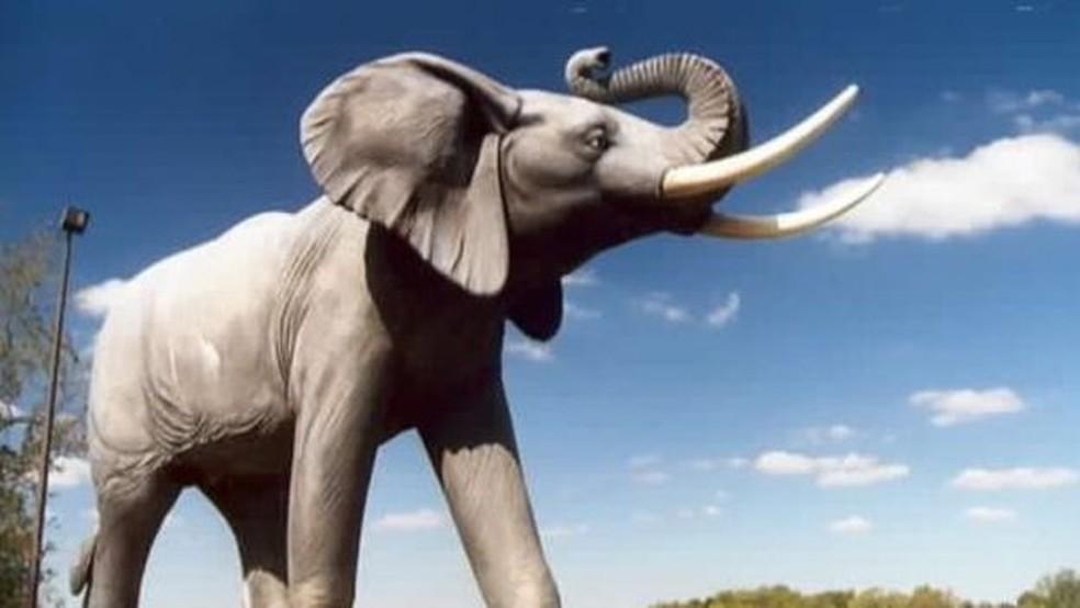 Jumbo ganhou estátua em St. Thomas, em Ontário, no Canadá, onde o célebre elefante morreu  (Foto: Wiki Commons)