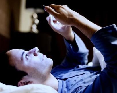 Trabalho híbrido pode piorar qualidade do sono, diz pesquisador