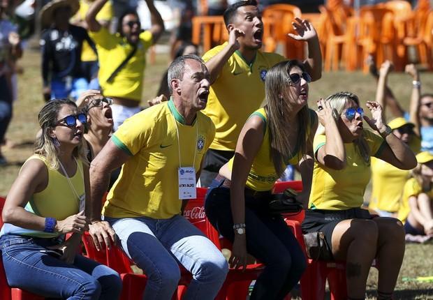 Torcedores assistem Brasil e Costa Rica no Pontão em Brasília - Copa do Mundo 2018 - torcida brasileira (Foto: Marcelo Camargo/Agência Brasil)