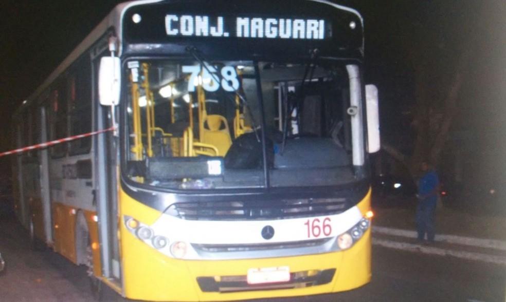 Passageiros e trabalhadores de ônibus foram vítimas de criminosos. (Foto: Divulgação/ Polícia Civil)