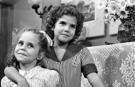 Isabela Garcia e sua irmã, Rosana, na novela  'O semideus', em 1973 TV Globo