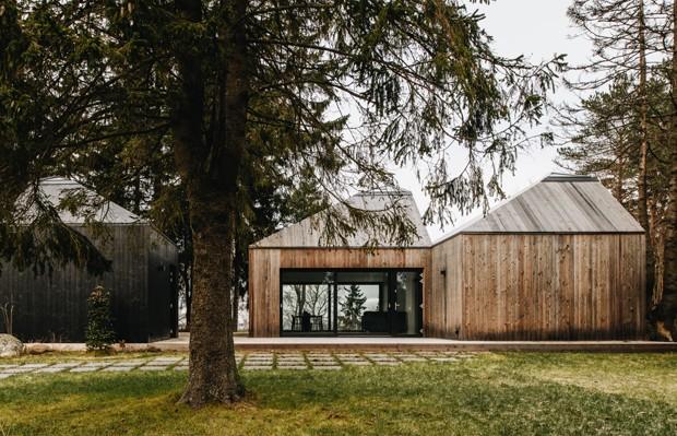 Casa de campo contemporânea tem formas curiosas (Foto: Tõnu Tunnel/Divulgação)