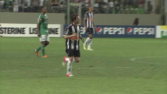 Você se lembra? Atlético-MG vence Palmeiras com dois gols de Bernard e um de Léo Silva, em 2012