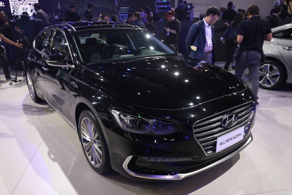 Hyundai Azera no Salão do Automóvel 2018 — Foto: Fábio Tito/G1