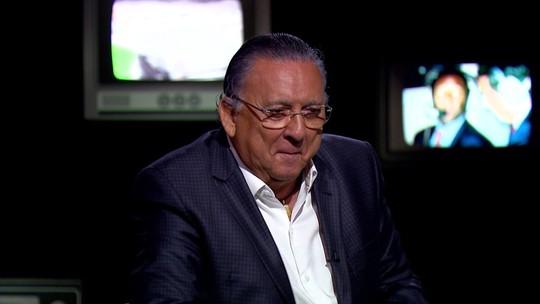 """Galvão Bueno se emociona ao lembrar de Ayrton Senna no programa Vozes: """"Herói nacional"""""""