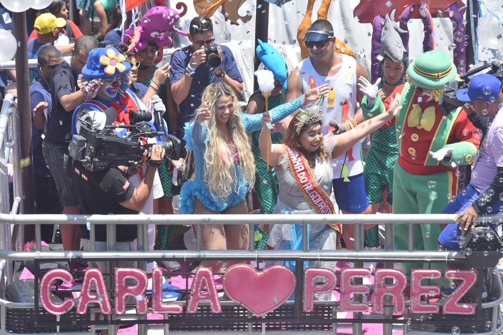 Mariana Xavier foi corada rainha do bloco Algodão Doce — Foto: Max Haack/Haack