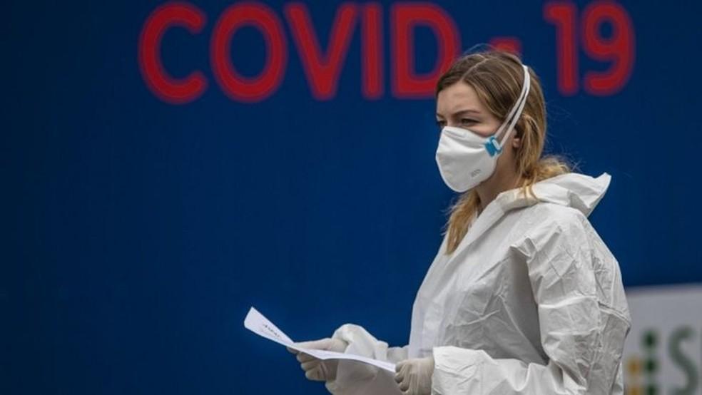 Número de novos casos de covid-19 dobrou em mais da metade dos Estados-membros do bloco comum europeu — Foto: EPA via BBC