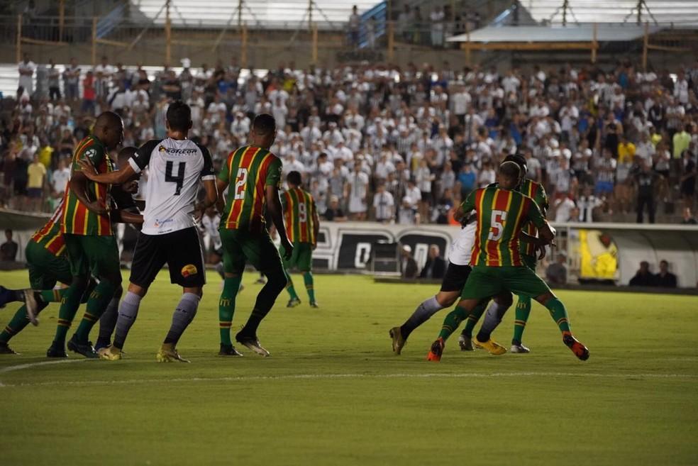 Sampaio encara o Botafogo-PB em busca de uma vaga no G-4 — Foto: Paulo Cavalcanti / Botafogo-PB